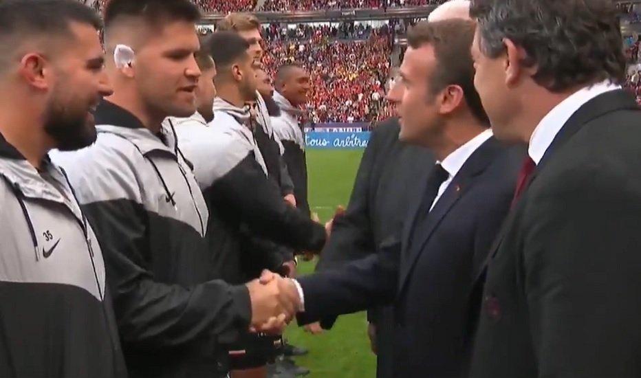 insolite buzz quand maks van dyk demande la nationalité française à emmanuel macron rugby france xv de départ 15
