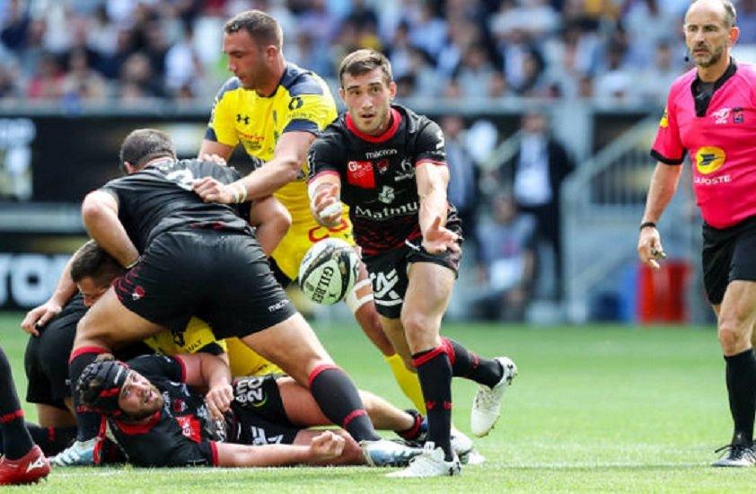 top 14 lyon baptiste couilloud prolonge rugby france xv de départ 15