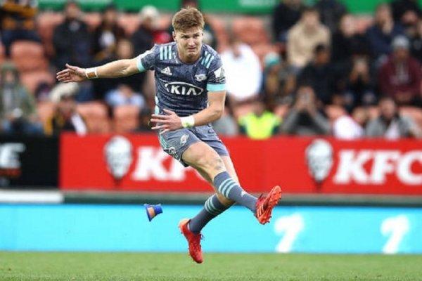 un coup de pied monumental de jordie barrett rugby france xv de départ 15