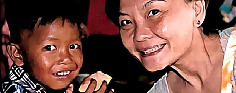 En 2014, Maryse Pham aidée d'une poignée d'amis, fonde Em': une association qui développe des micro-projets au Vietnam, à destination des enfants en difficulté.