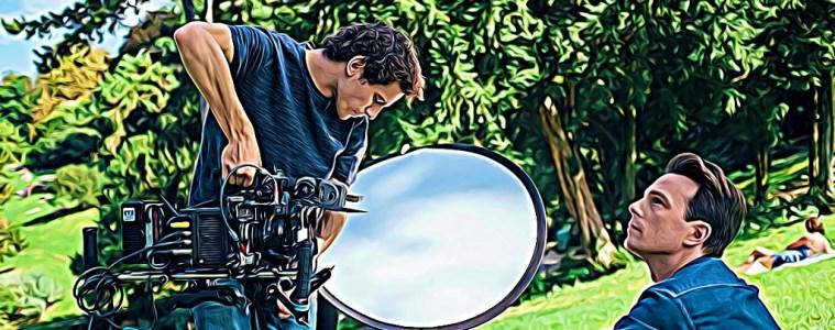 Thibaut Buccellato est directeur artistique dans la pub. Durant son temps libre, il filme des projets perso, caressant l'espoir de signer son 1er long métrage.