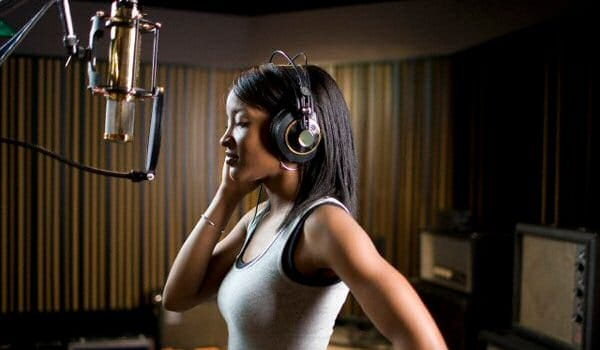 Should you choose a female or male voice in your Radio Imaging?