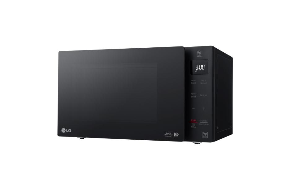 0 9 cu ft neochef countertop microwave with smart inverter and easyclean