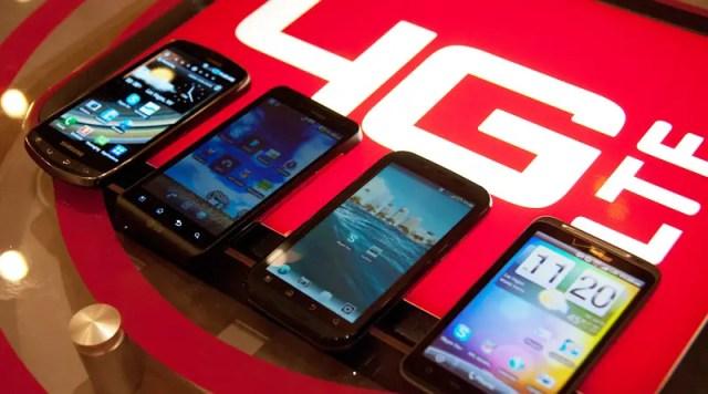 Ponsel 4G LTE