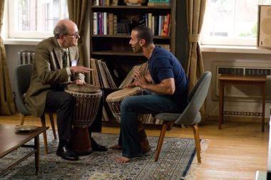 En compagnie de Haaz Sleiman , Jenkins apprend la musique