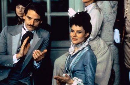 Fanny Ardant , en duchesse de Guermantes, toujours aussi exquise