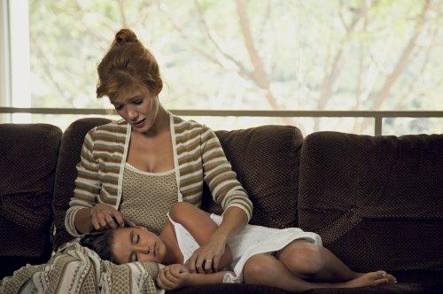 Mme Zampa ( Mélanie Doutey ) dans son confort familial...
