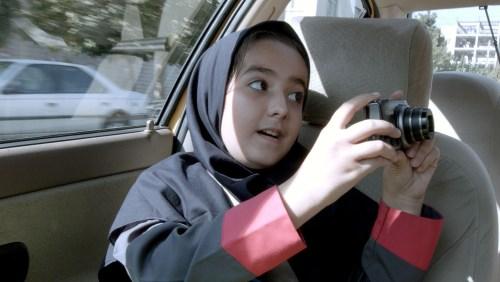 La nièce prépare un court métrage pour son école. Mais que peut-elle filmer ?