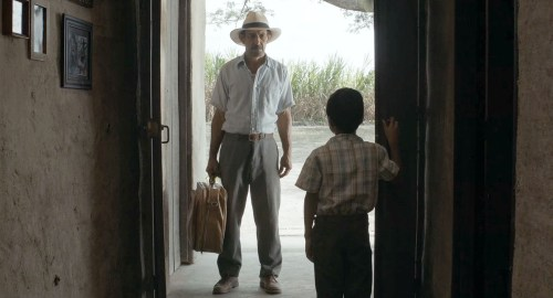 """""""Bonjour, je m'appelle Alfonso"""" dit le grand-père qui voit son petit-fils pour la première fois."""
