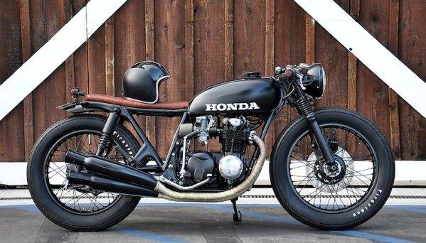 Honda CB550 cafe racer noire
