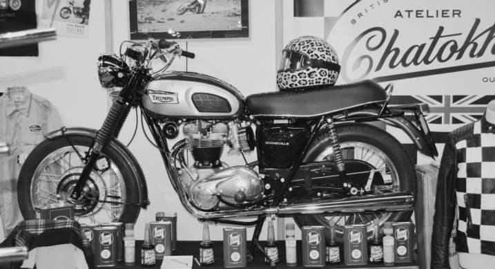 Motos Triumph et accessoires salon moto légende Paris 2013