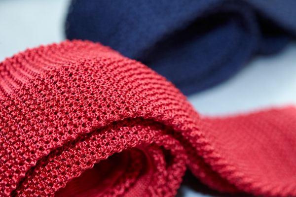Cravate en laine tricot