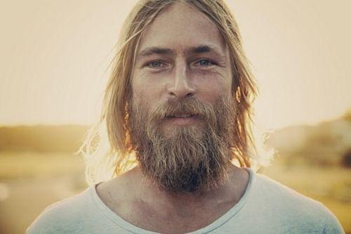 Apprendre à bien hydrater sa barbe