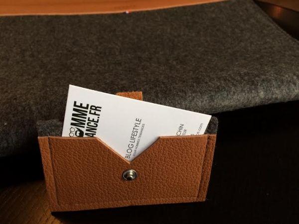 Porte cartes en feutre et en cuir