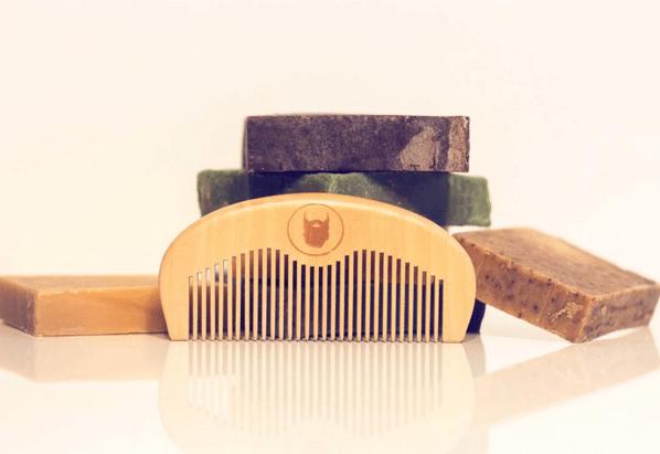 Peigne et shampooing pour la barbe Le comptoir de la barbe