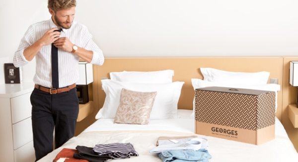 Essayages des vêtements reçus dans la malle Georges Privé