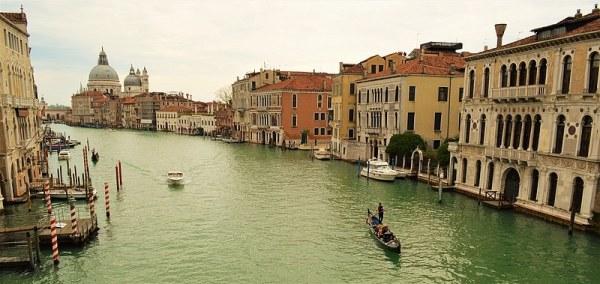 Photo de Venise: le grand canal entre ciel et eau