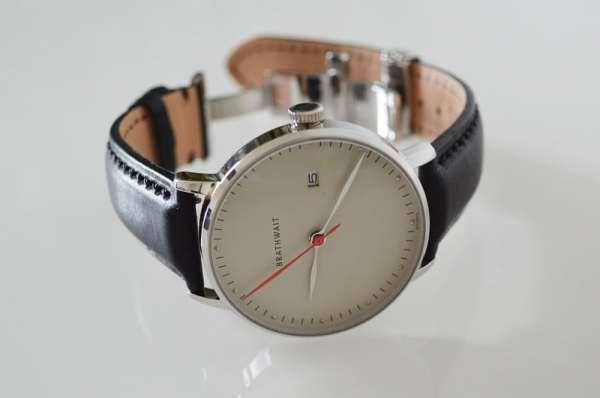 Montre homme automatique Brathwait: « The automatic minimalist wrist watch » //photo de L'HommeTendance.fr