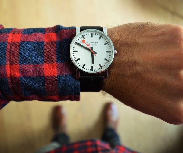 Montre Mondaine Homme en vente sur WatchShop