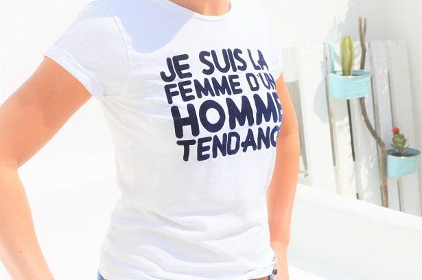 """T-shirt femme blanc flocage velours : """"Je suis la femme d'un homme tendance"""""""