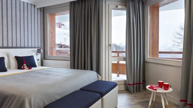 Araucaria-Hotel-Spa-Chambre-Superieure-2-615x346