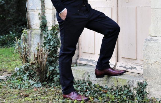 Chino noir Uniqlo slim fit 39,90€