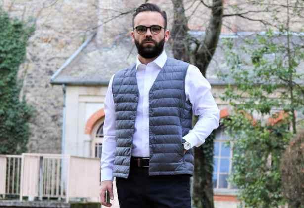 J'adore ce style de doudoune sans manche et sans col. C'est une sorte de gilet sans manche très pratique pour rester au chaud sous une veste de costume en flanelle ou sous un manteau léger.