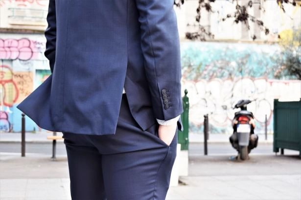 Une coupe adaptée à ma morphologie - Costume-sur-mesure chez Faubourg Saint Sulpice