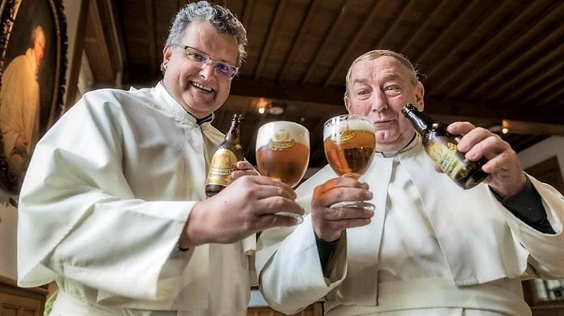 Les moines de l'Abbaye de Grimbergen / Photo Le Soir Plus