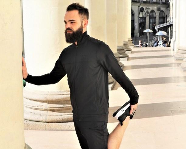 under-armour-sport-homme-etirements