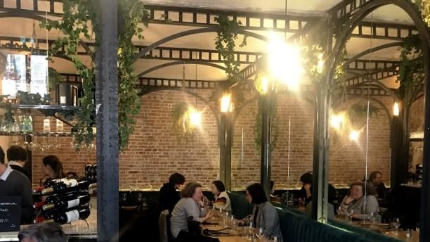 Le restaurant Fumé, un cadre chaleureux entre Méditerranée et US