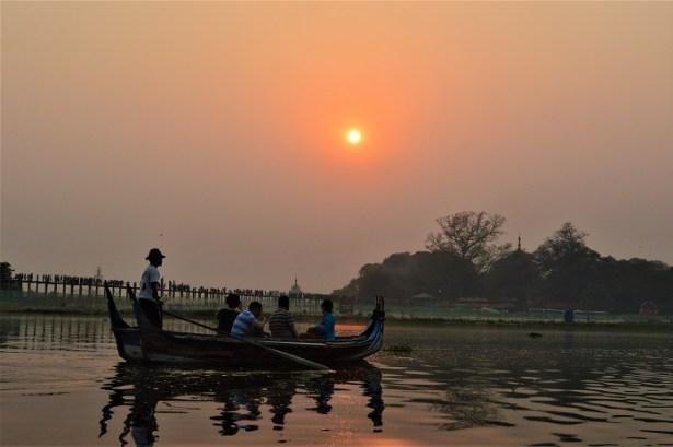 Pont de U Bein et coucher de soleil