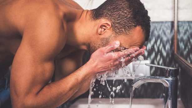 Les indispensables de la trousse de toilette masculine