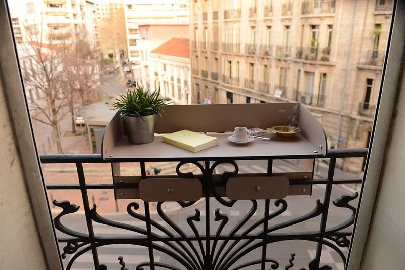 table bar pour aménager balcons et terrasses