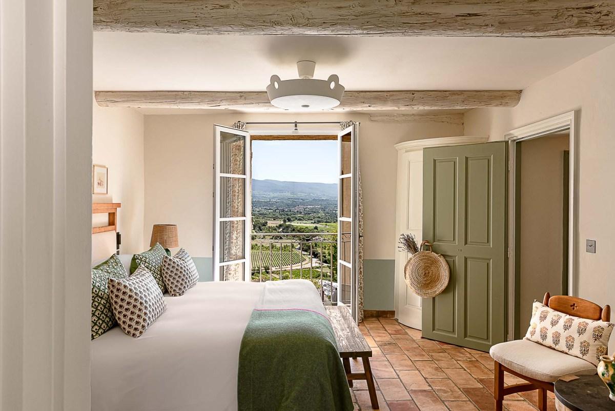 Chambre avec vue Hôtel Crillon Le Brave ©_Matthieu-Salvaing