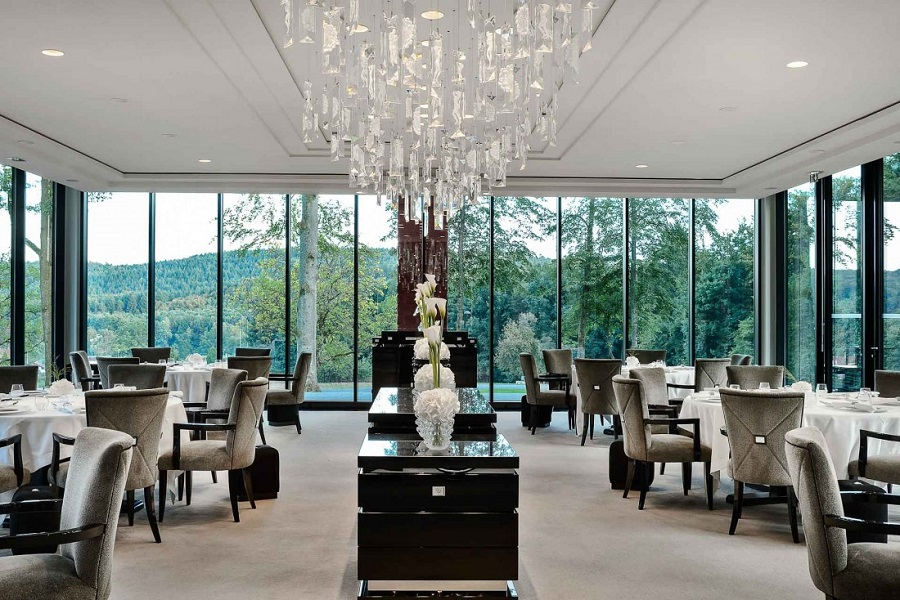 Villa-Rene-Lalique_restaurant_©Reto-Guntli