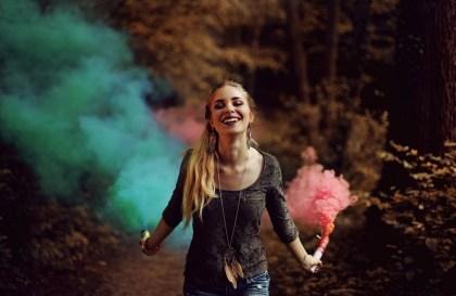 Les fumigènes : une idée pour donner un cachet spécial à une fête