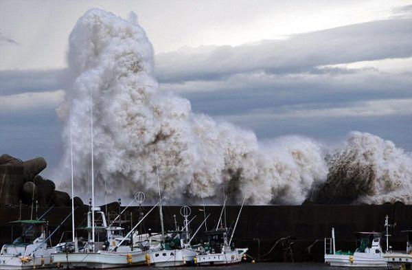 Japan Phanfone typhoon