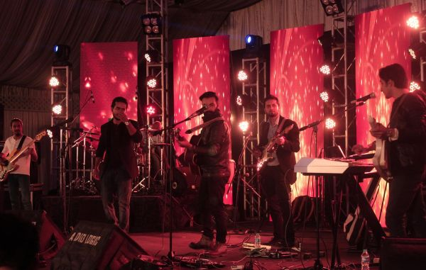 Pakistan's first 360 Degree live performance music video by MIRAGE