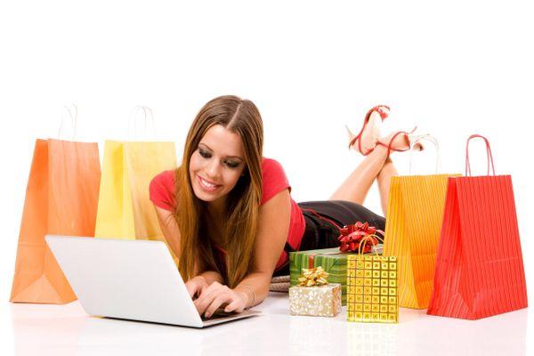 Pakistani Women Tend to Shop More Than Men