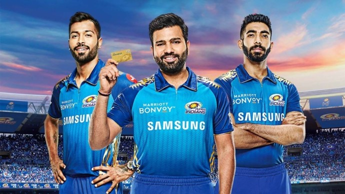 A group of players posing for the camera - Image: Mumbai Indians