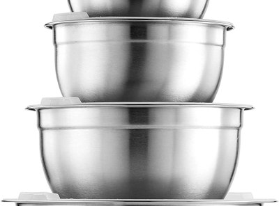 FineDine Premium Stainless Steel Mixing Bowls with Airtight Lids - Set of 5