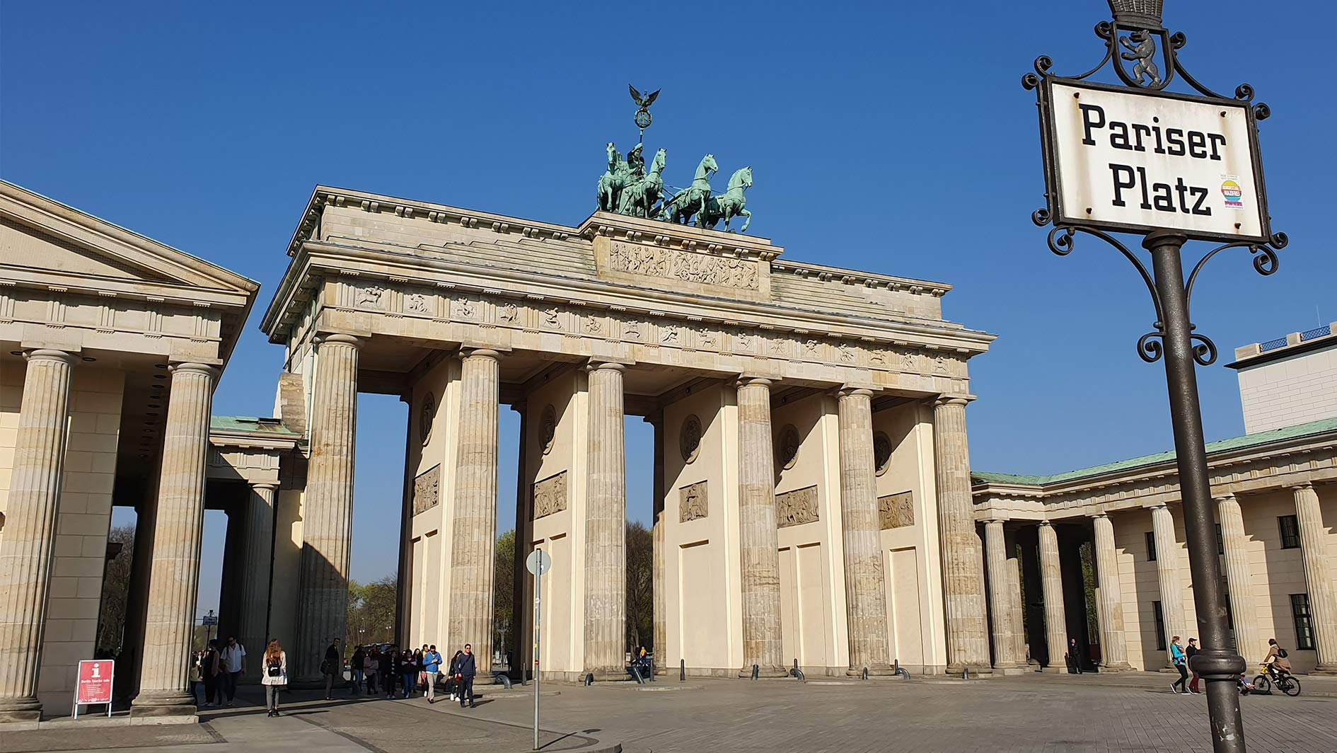 Essence of a nation: virtually visit Berlin's iconic historical landmarks