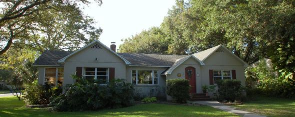 New 3 bed 3 bath Listing in Coffee Pot Bayou Neighborhood!