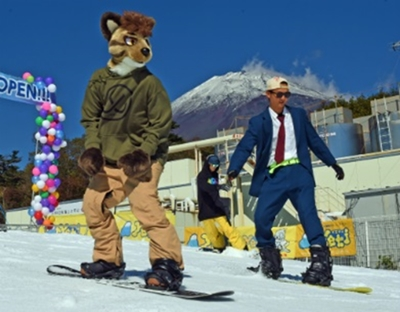 仮装スキー・スノボ...楽しそうです!