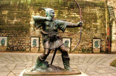 Robin Hood-statuen, Nottingham Castle, England. Foto: David Telford CC.BY.SA.