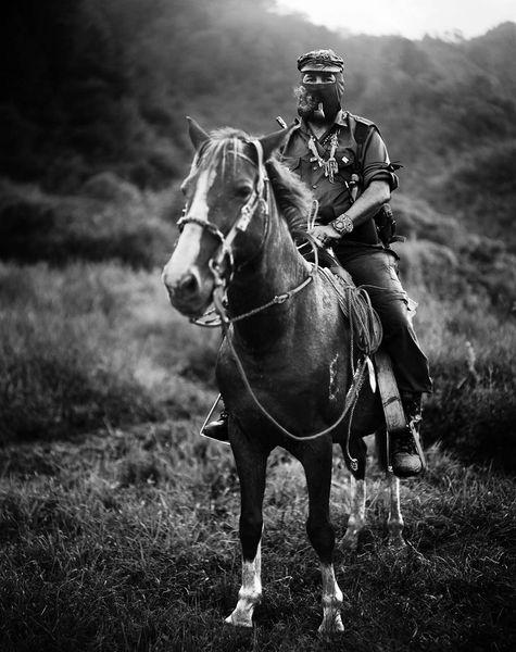 Subcomandante Marcos i 1996. Foto: Jose Villa/VillaPhotography CC.BY.SA.