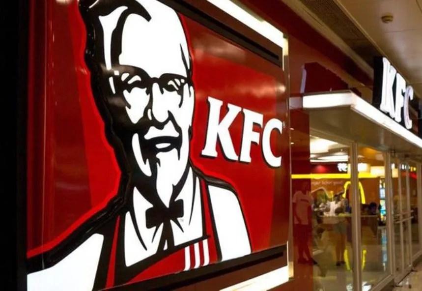 pollo fritto kfc gratis 10 km coda centro commerciale arese