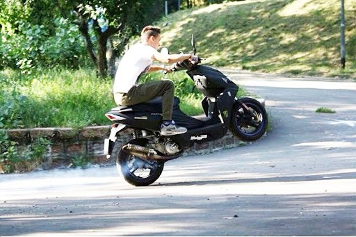 fuga-per-amore-in-scooter