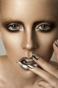 spring 2016 monochromatic makeup metallic trend beauty